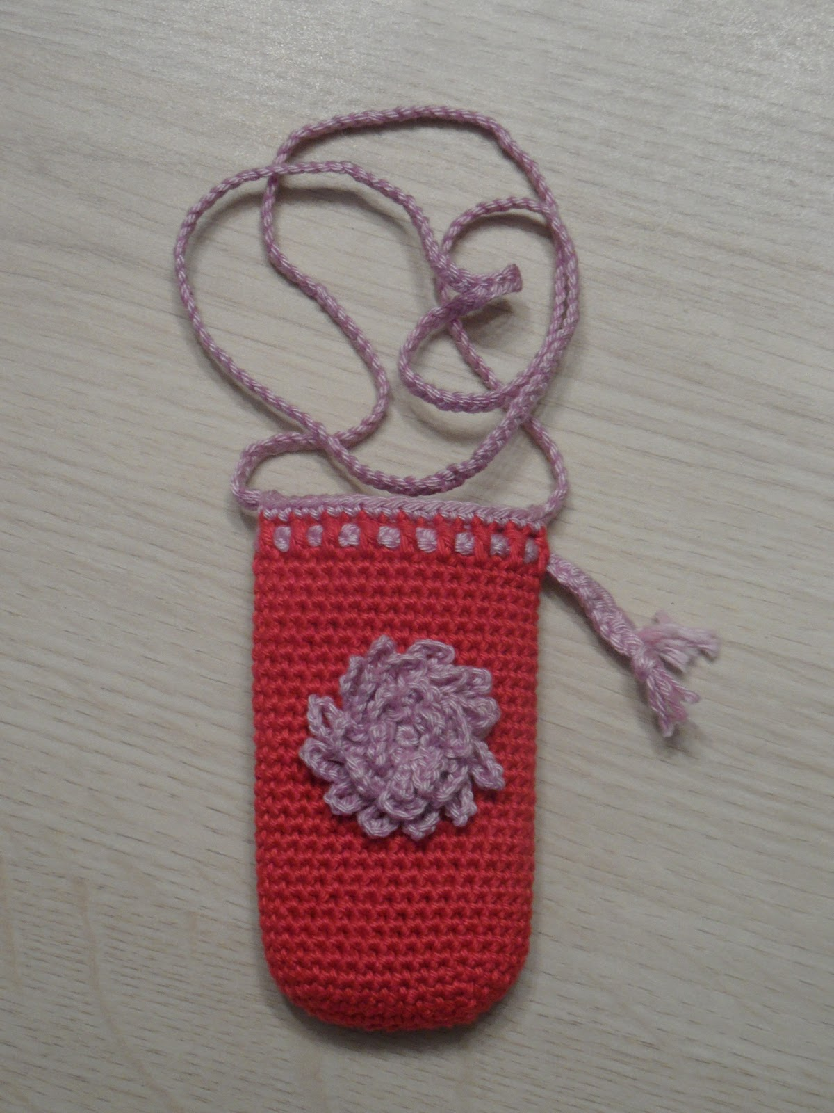 May 19, · #crochet cell phone holder or mini wallet, Part 1 Step by step instructions for cell phone case. #crochet - cell phone case/mini purse, I-pod case All Crafts Channel. BAG-O-DAY CROCHET.